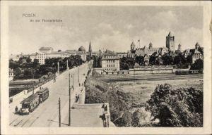 Ak Poznań Posen, An der Theaterbrücke, Straßenbahn