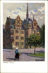 Künstler Ak Bahndorf, Heribert, Saalfeld an der Saale Thüringen, Blick auf das Rathaus