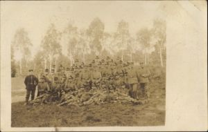 Foto Ak Deutsche Soldaten in Uniformen, Jäger, Gruppenportrait, I. WK