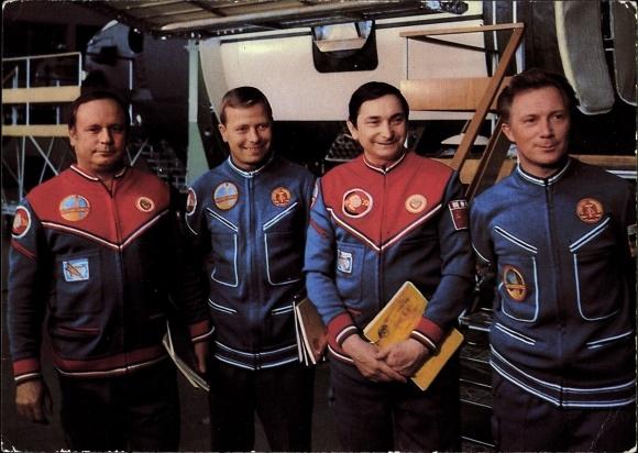 Ak Fliegerkosmonauten Sigmund Jähn, Waleri Bykowski, Eberhard Köllner, Viktor Gorbatko, Kosmosflug 0