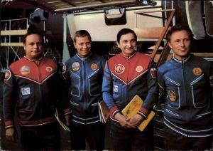 Ak Kosmonauten Sigmund Jähn, Waleri Bykowski, Eberhard Köllner, Viktor Gorbatko
