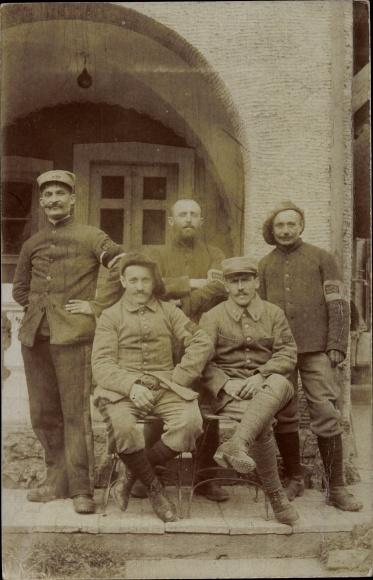 Foto Ak Französische Soldaten in Uniform, Einheit 237, Nummern 2554, 2556, 2570, 2555