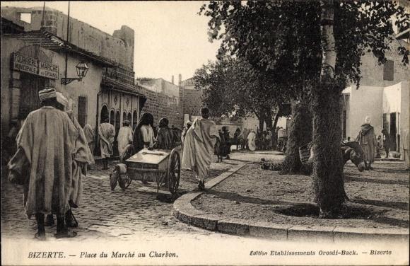 Ak Bizerte Tunesien, Place du Marche au Charbon, Straßenpartie