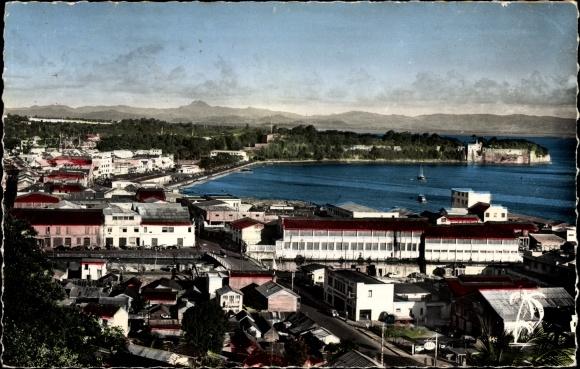 Ak Fort de France Martinique, Blick auf die Bucht und Fort Saint Louis