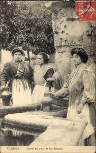 Ak Cordoba Andalusien Spanien, Fuente del patio de los Naranjos, Spanierinnen