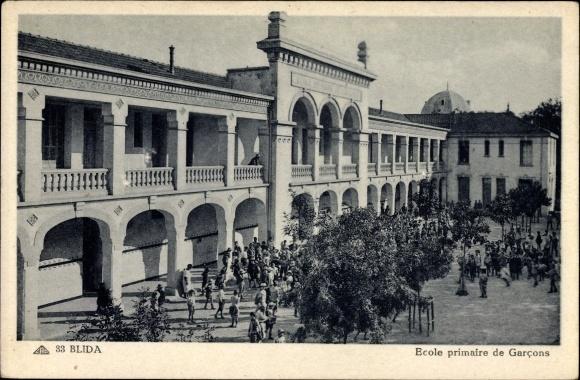 Ak Blida Algerien, Ecole primaire de Garcons, Blick auf die Schule