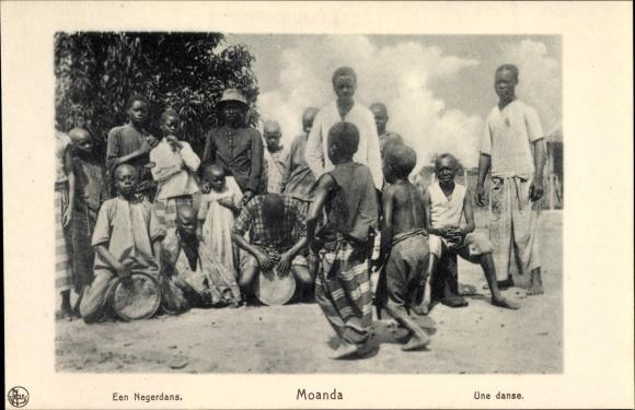 Ak Moanda DR Kongo Zaire, Een Negerdans, Une danse, Afrikaner beim Tanzen
