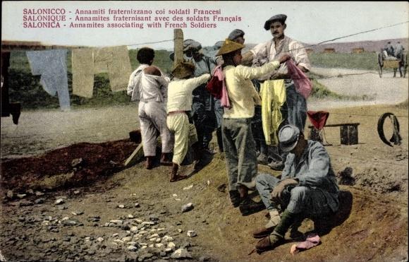 Ak Thessaloniki Griechenland, Annamites fraternisant avec des soldats francais