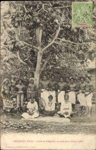 Ak Fidschi, Chefs et Indigènes au pied d'un arbre à pain, Anwohner an einem Brotbaum