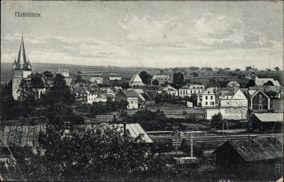 Ak Nastätten im Rhein Lahn Kreis, Vogelschau auf den Ort, Bahnstrecke