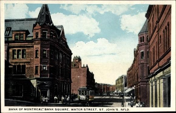 Ak St. John's Neufundland Kanada, Bank of Montreal, Bank Square, Water Street, Straßenbahn
