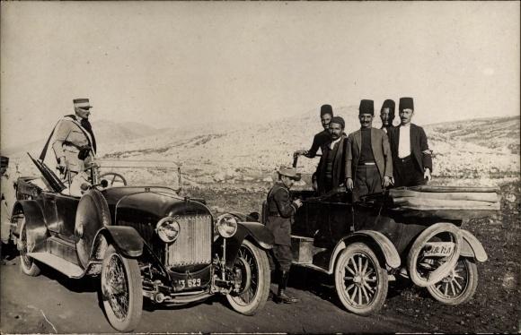Foto Ak Rachaya Libanon, Französischer Offizier in einem Automobil, Inspektion von Schmugglern