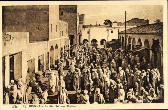 Ak Biskra Algerien, Le Marché aux Dattes, Araber auf dem Dattelmarkt, Maghreb
