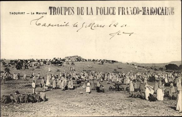 Ak Taourirt Marokko, Le Marché, Marktplatz, Händler, Schafe
