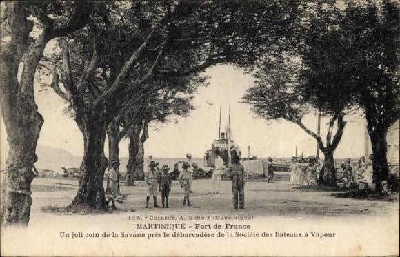 Ak Fort de France Martinique,Un joli coin de la Savane près la débarcadère de la Société des Bateaux