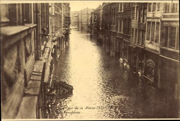 Ak Liège Lüttich Wallonien, Cure de la Meuse 1925-1926, Rue Feronstree, Straße bei Hochwasser