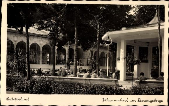 Ak Janské Lázně Johannisbad Reg. Königgrätz, Kurplatz, Pavillon