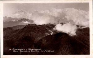 Ak Saint Claude Guadeloupe, La Soufriere, Vue d'ensemble, Bergpanorama