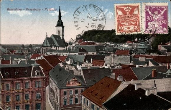 Ak Bratislava Pressburg Slowakei, Vogelschau auf den Ort, Hausdächer