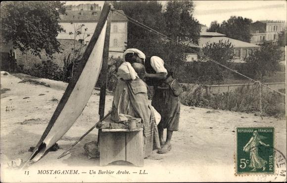 Ak Mostaganem Algerien, Un Barbier arabe, Arabischer Barbier bei der Arbeit