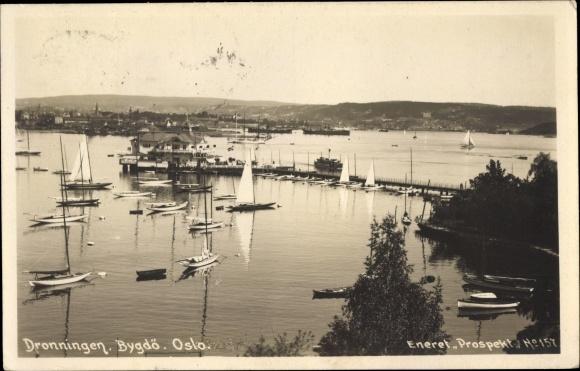 Foto Ak Bygdö Oslo Norwegen, Dronningen, Bucht mit Segelbooten, Steg