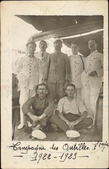 Foto Ak Martinique, Campagne des Antilles 1922-1923, Französische Seeleute an Deck eines Schiffes