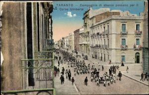 Ak Tarent Taranto Puglia, Compagnie di sbarco passano per il Corso Umberto