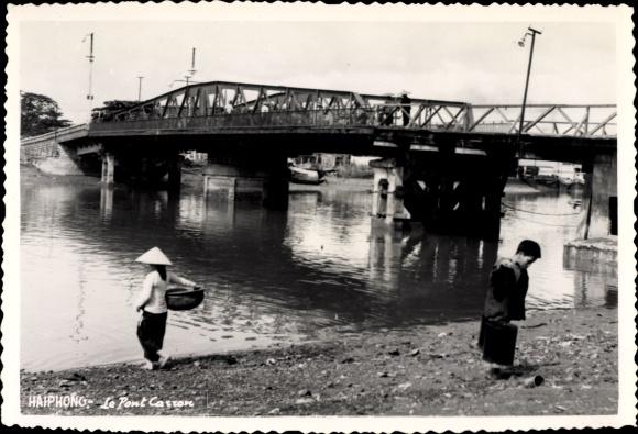 Foto Ak Hai Phong Vietnam, Le Pont Carron, Partie an der Brücke, Wasserschöpfer