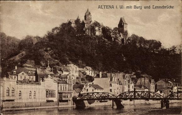 Ak Altena im Märkischen Kreis, Blick zur Stadt mit Burg und Lennebrücke