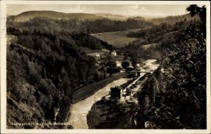 Ak Rentzschmühle Pöhl im Vogtland, Flusspartie mit Blick auf den Ort, Bahnhof, Bahnstrecke