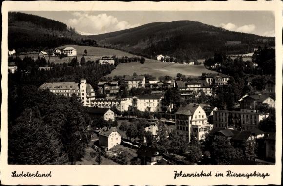 Ak Janské Lázně Johannisbad Reg. Königgrätz, Totalansicht vom Ort