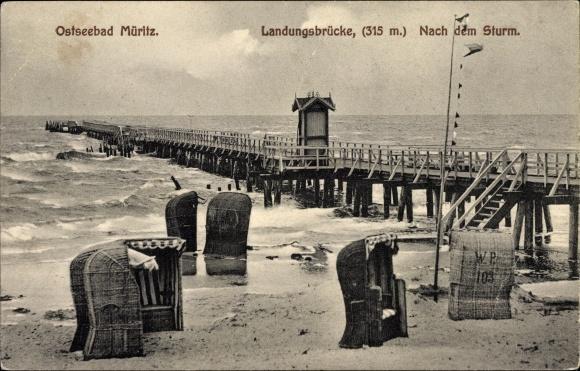Ak Graal Müritz im Kreis Rostock, Landungsbrücke nach dem Sturm, Strandpartie