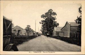 Ak Tamatave Toamasina Madagaskar, Rue de Tananarive, Straßenpartie, Häuser