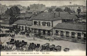 Ak Tunis Tunesien, La Place et la Gare du Sud, Blick auf den Bahnhof, Straßenseite, Kutschen