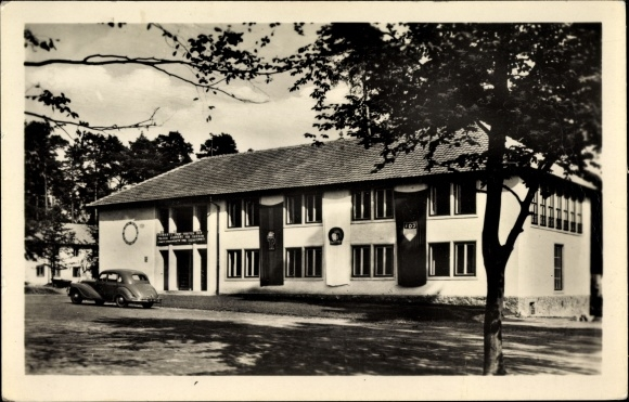 Ak Altenhof Schorfheide am Werbellinsee, Pionierrepublik Wilhelm Pieck, Eingang, FDJ Fahne