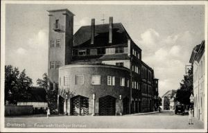 Ak Groitzsch im Kreis Leipzig, Feuerwehr Löschgerätehaus, Straßenpartie in der Stadt
