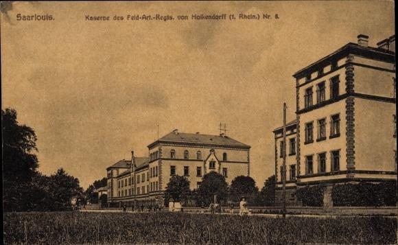 Ak Saarlouis im Saarland, Kaserne vom Feld. Art. Regt. Nr. 8 von Holkendorff, 1. Rhein