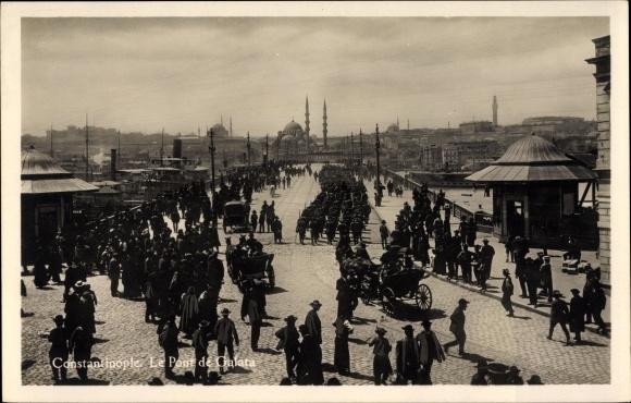 Ak Konstantinopel Istanbul Türkei, Le Pont de Galata, Brücke, Soldaten