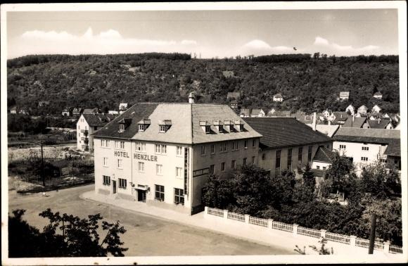 Ak Plochingen im Kreis Esslingen, Hotel Henzler, Blaues Haus, Inh. J. Henzler