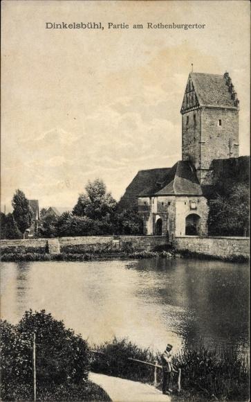 Ak Dinkelsbühl im Kreis Ansbach Mittelfranken, Partie am Rothenburger Tor