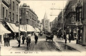 Ak Dover South East, Biggin street, Street view, Straßenpartie
