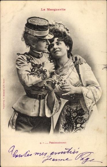 Ak La Marguerite, Passionnément, Frau in Uniform, Umarmung, Liebespaar, Edition Bergeret