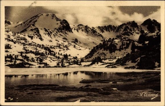 Ak Valls d'Andorra, Serra de Pessons i un dels estangs, Cirque des Pessous, Lac