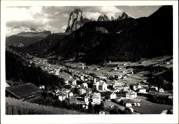 Ak St. Ulrich in Gröden Ortisei Südtirol, Stadtpanorama, Val Gardena Dolomiti