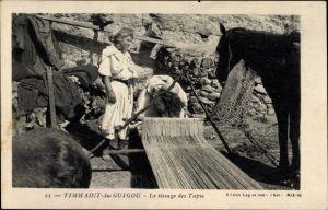 Ak Timhadit Marokko, Le tissage des Tapis, Teppichweberin bei der Arbeit, Pferd