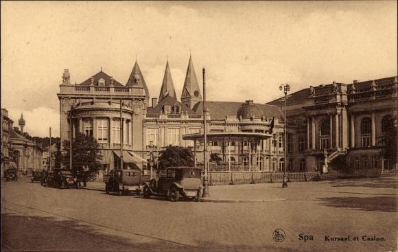 Ak Spa Wallonien Lüttich, Blick auf den Kursaal und Kasino, Straßenpartie
