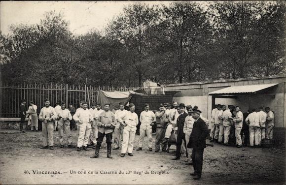 Ak Vincennes Val de Marne, Un coin de la Caserne du 23e Régt de Dragons