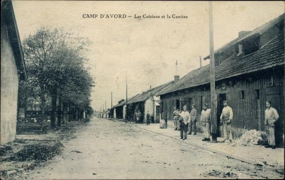 Ak Avord Cher, Camp, Les Cuisines et la Cantine, Soldaten