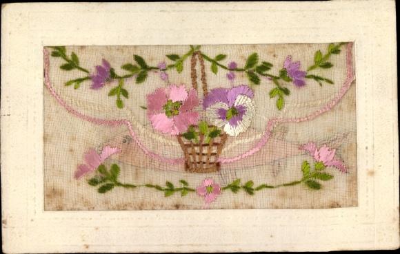 Seidenstick Ak Stiefmütterchen und rosa Blüte in einem Korb