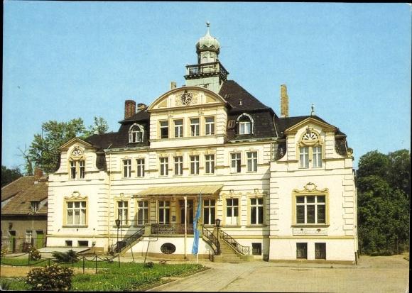 Ak Uebigau Wahrenbrück Landkreis Elbe Elster, Jugendherberge Neues Leben, FDJ Fahne